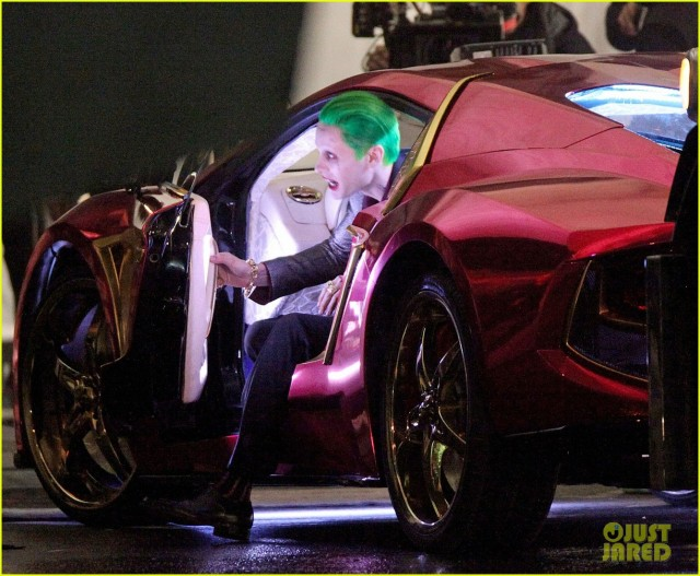 jared-leto-fights-kisses-margot-robbie-in-suicide-squad-12